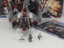 LEGO Star Wars 8019 - Republic Attack Shuttle